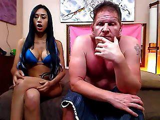 dicke Schlampe fickt ihren Mann vor der Webcam