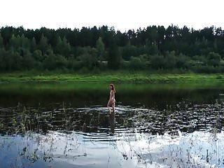 nackt schwimmen in der Wolga