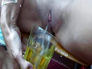 blonde pisse und trinken