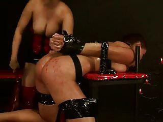 Sklave benutzt von Herrin