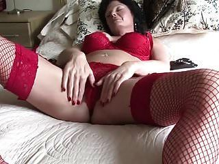 geile reife Schlampe masturbiert