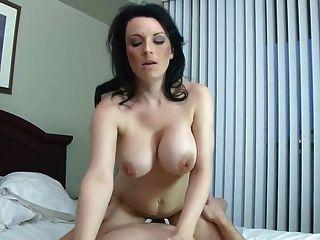 tabu hause sex mit vollbusigen mutter und kahl sohn