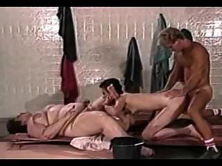 bbw und dünne Frauen haben Spaß mit einem Jungen.