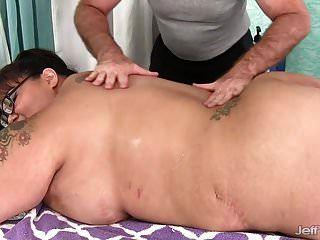 riesen boobed asiatische bbw miss lingling bekommt eine sex massage