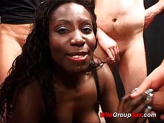 schwarz babes erste bukkake fick orgie