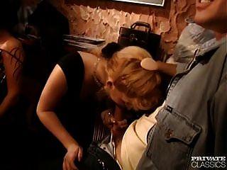 Orgie im Nachtclub