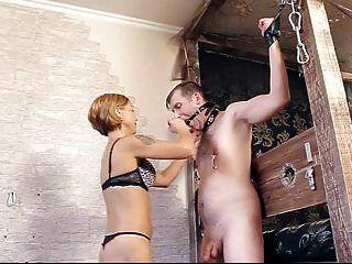 eingesperrter Sklave rausgelassen