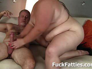 jiggly dicken Bauch und riesigen Titten bbw