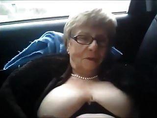 schmutzige Oma Auto Pisse
