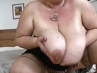 große reife mutter mit sehr großen titten braucht sex