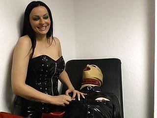 Herrin Brustwarzen Folter mit langen französischen Nägeln