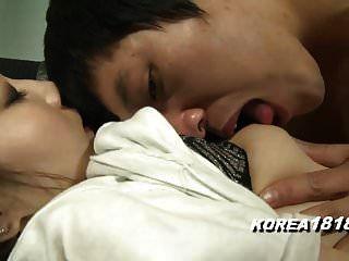 Koreanisches Mädchen kann nicht länger durchhalten
