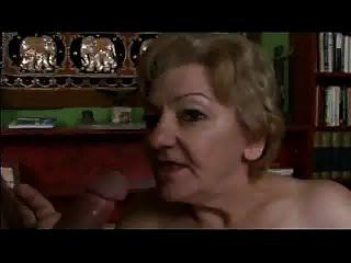 70 Jahre Oma mit silberner behaarter Muschi von Cybernoob