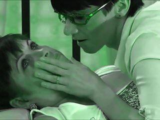russische Lesben leckt die Muschi ihrer Freundin (neu eingefärbt)