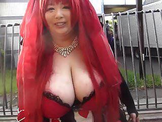 japanisches Mädchen mit riesigen Titten (Teil 1)