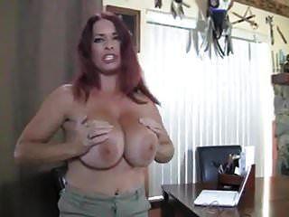 reifen in strümpfen mit großen titten