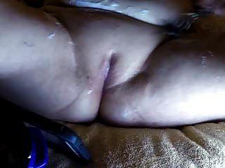Neue Putzfrau rasiert und gefickt