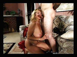 big titty reife fickt mit einem jungen