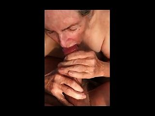 Oma macht Handjob für Sperma essen 01
