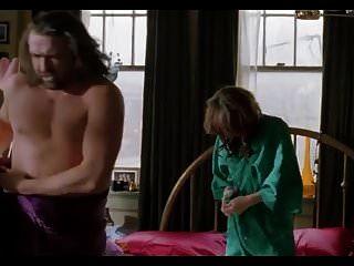 milla jovovich explizit topless sexszenen, lesbisch