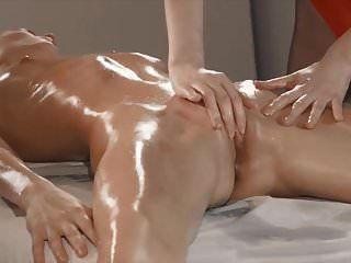 schöne lesbische massage und schnallen