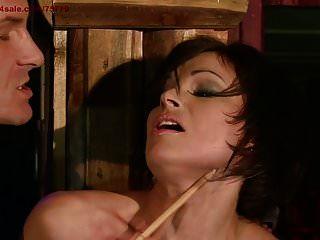 treue Frau verdient Strafe.