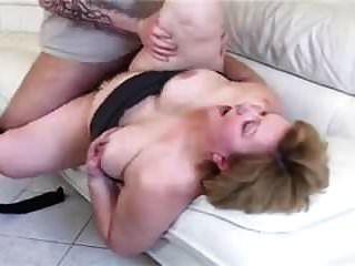 bbw oma mit großem arsch auf der couch gefickt
