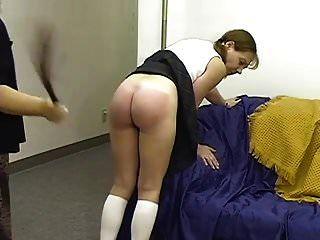 Mutter verprügelt Tochter