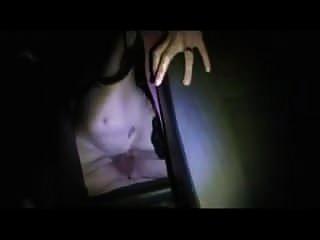 hotwife wird auf dem rücken gefickt, während mein mann filmt
