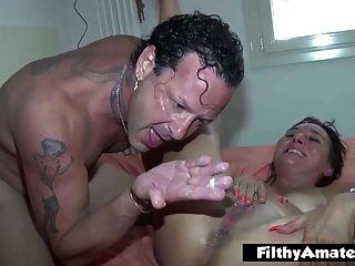 Cola in den Arsch und Kopf in die Toilette! wütende Orgie!