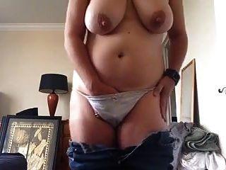 vollbusige pervers reife masturbate 3