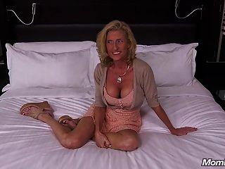 zierliche große Brüste Puma Schlampe fickt deinen Schwanz Pov
