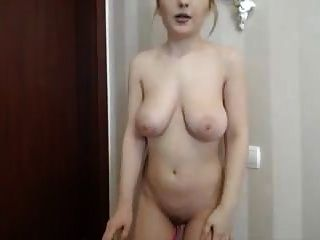 sexy big tits girl masturbiert mit ihrer webcam