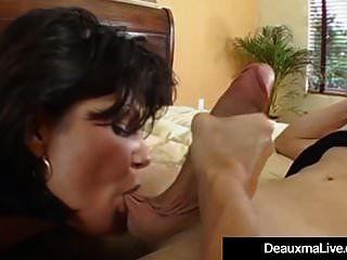 reife milf deauxma hat großen spritz orgasmus mit jungen spielzeug!