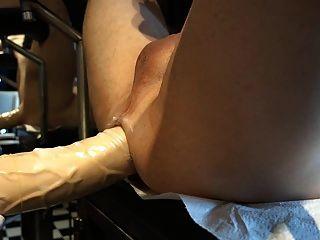 Riesiger Strapon, Dildo mit extremen Auswüchsen, dicke Titten