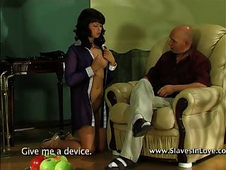 Sklavin für alle Gelegenheiten.
