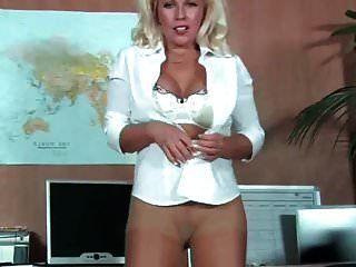 sekretärin milf in strumpfhosen fingern im amt # mrbrain1988