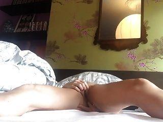 intensiver Orgasmus nach stundenlangem Besäumen. Kitzler und Anal Stim.