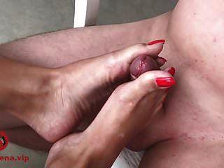 footjob und sperma auf füßen