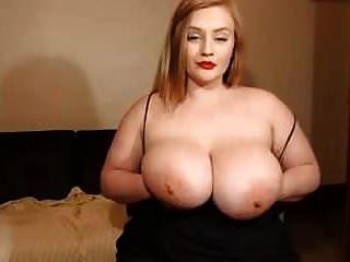 Webcam-Show für ein süßes weißes Mädchen mit großen Titten
