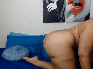 hot \u0026 sexy latina mit dildo auf cam dicke titten