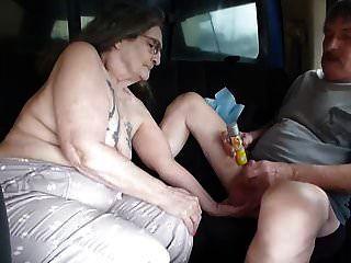 Ich bin eine Hure, die ein Summen genommen hat, um den Lastwagen zurückzudrängen, um ihn abzuwehren