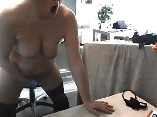 sexy Schlampe reift ohne zu spritzen