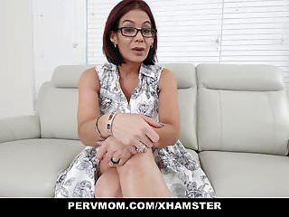 pervmom stiefmutter saugt meinen schwanz zur therapie