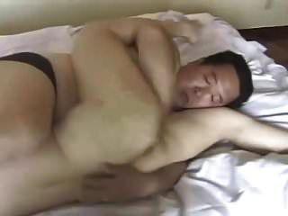 fetter japanischer Vater fickt junges Mädchen