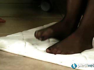 Lesben in einem Schuhgeschäft