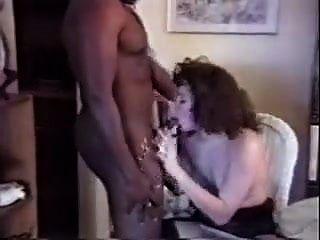 Sie luden den Schwarzen nach Hause ein, um seine Frau zu ficken