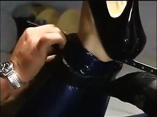 Hogtied für die Fickmaschine