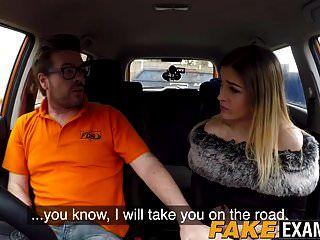 geile britische Schlampe reitet den Schwanz, um ihre Fahrprüfung zu bestehen