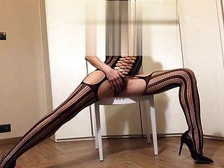 die Strumpfhose, die Schuhe, die Erotik der Sklave für dich